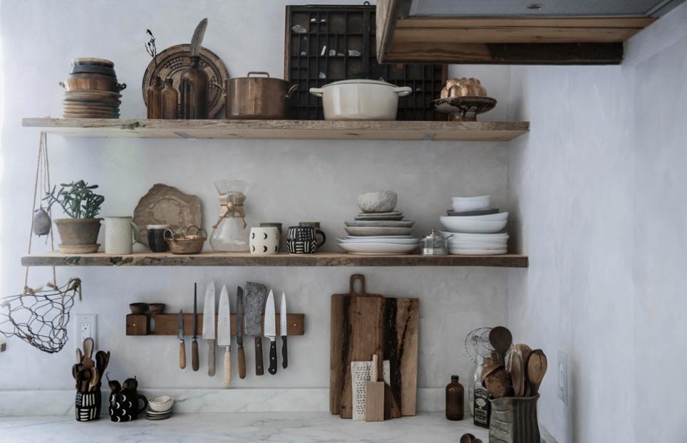 Deconstructed kitchen trend open shelves